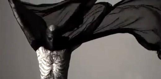 Lady Gaga připravila hudbu pro módní show Mugler