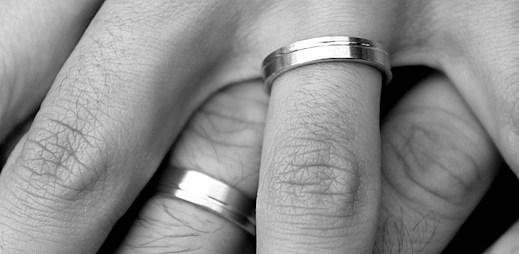 Registrované partnerství: celkem 1 181 svazků, hlavně gayové
