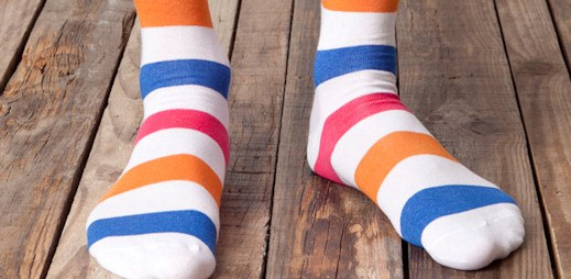 Pull & Bear: Barevné ponožky klukům sluší