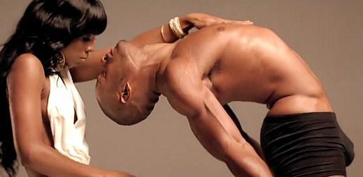 Svalnatá těla v novém videoklipu Lay It On Me od Kelly Rowland