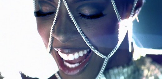 "Kelly Rowland: protančený videoklip ""Down For Whatever"""