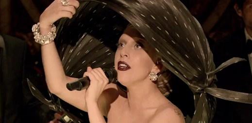 """Lady Gaga naservírovala ochutnávku klipu """"Marry The Night"""""""