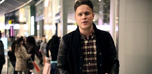 Olly Murs honí holku, která se mu líbí v klipu Oh My Goodness