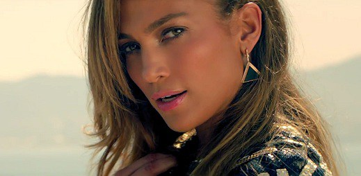 Jennifer Lopez v novém klipu Follow The Leader předvádí parkour