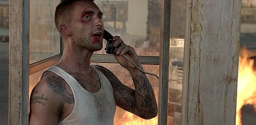 Maroon 5: Rychlá akce, střelba a honičky v klipu Payphone