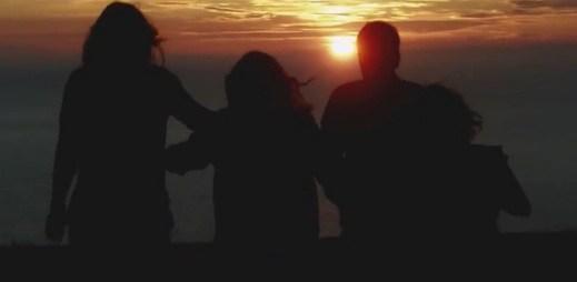 Skvělý relaxační song od Above & Beyond a Zoë Johnston