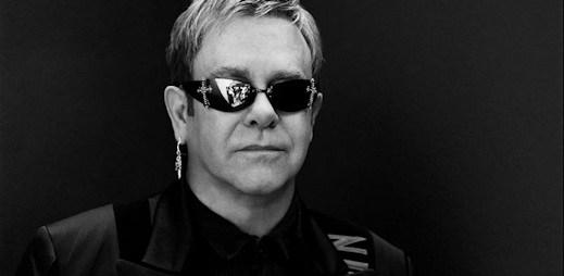 Eltonu Johnovi a Davidu Furnishsovi se narodil syn