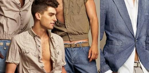 Dolce & Gabbana: Vyprahlá poušť a barvy khaki