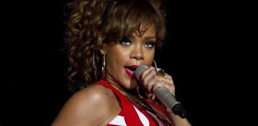 Rihanna a Eminem s novým videoklipem Love The Way You Lie už brzy!