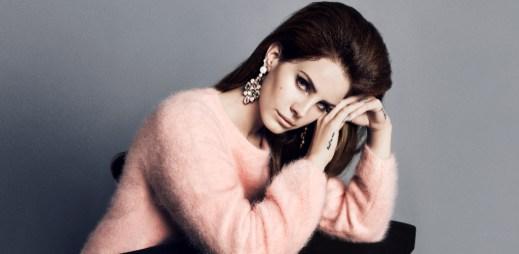 Zpěvačka Lana Del Rey bude tváří podzimní kampaně H&M