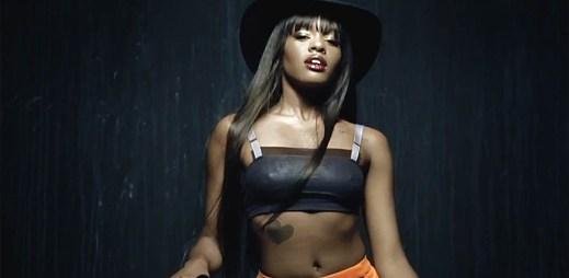 Rapperka Azealia Banks se vlní v temném klipu Van Vogue