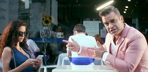 Robbie Williams se stal andělem strážným v Candy