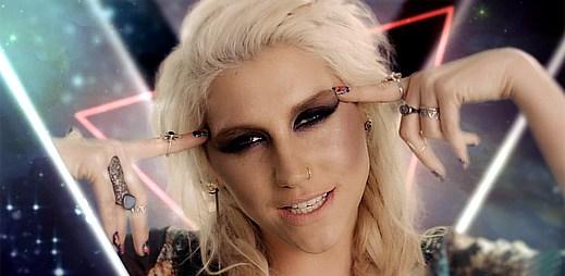 Kesha se stala vůdkyní Iluminátů v Die Young