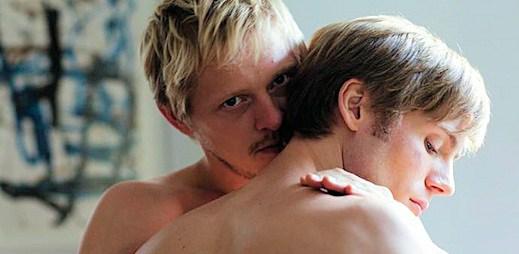 Gay film: Neodcházej - ničení citů a závislost na lásce