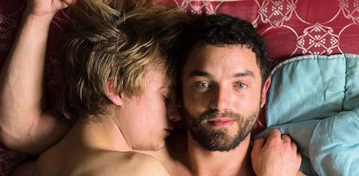 Gay film: Za zdmi (Hors les murs)