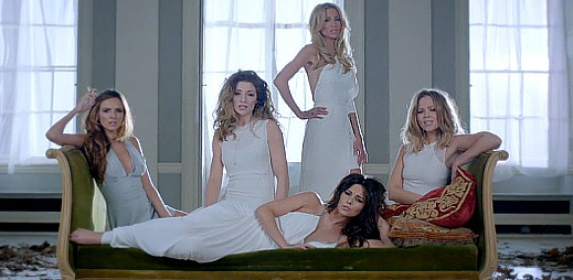 Girls Aloud: Sladká balada Beautiful 'Cause You Love Me o lásce