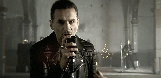Zajímavá červí díra v klipu Mode Heaven od Depeche Mode