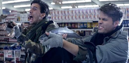 V klipu Back To Life se kluci 3OH!3 ukázali jako záchranáři