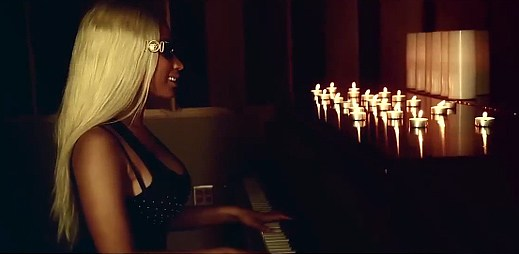 Komorní singl Up In Flames od Nicki Minaj je venku