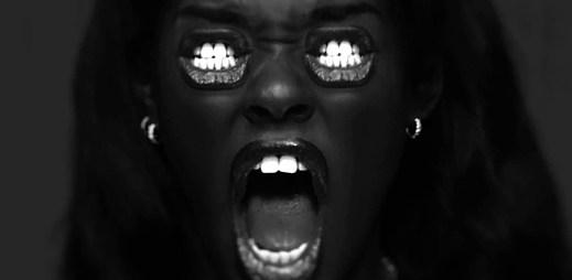 Azealia Banks nikoho nešetří a šokuje ústy v Yung Rapunxel