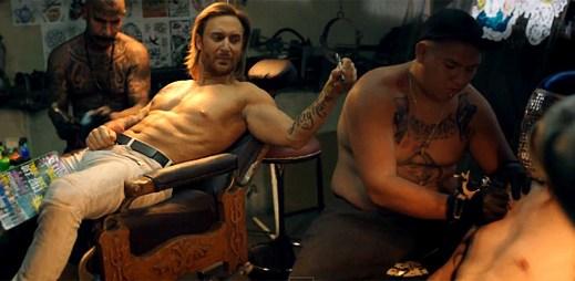 David Guetta: Souboj v mexických špičatých botách v Play Hard