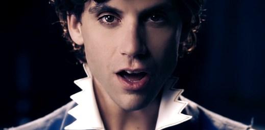 Mika se mstí kouzelným lektvarem za šikanu v Popular Song