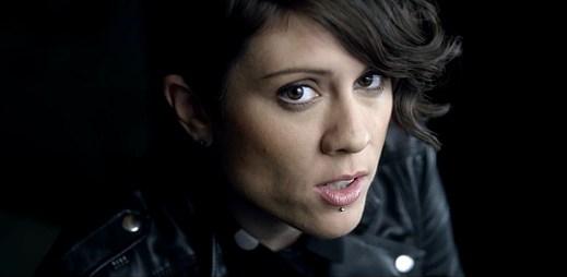 Tegan and Sara vzpomínají na minulé vztahy v klipu I Was A Fool