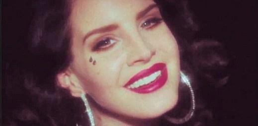 Lana Del Rey předvedla perfektní výkon v klipu Young and Beautiful