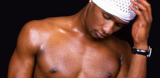 10 fotografií zpěváka Usher, na kterých vypadá mužně a sexy