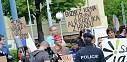 Brněnští studenti demonstrovali proti Zemanovi