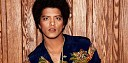 Bruno Mars řádí v retro klipu Treasure. Vypadá jako VHS záznam