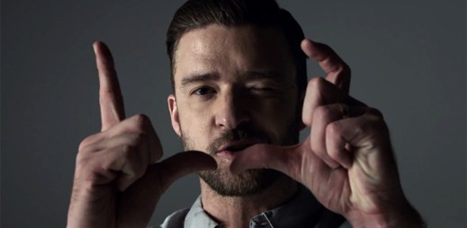 Justin Timberlake je obklopen nahými ženami v klipu Tunnel Vision