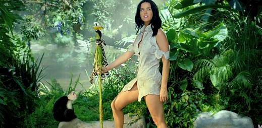 Trosečnice Katy Perry natočila klip k úspěšné hitovce Roar