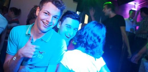 Fotoreport: Na party Stand Up s NaKluky.cz byla skvělá atmosféra!