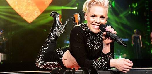 Pink překvapila fanoušky novým klipem z turné k Walk of Shame