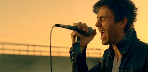 Enrique Iglesias chce v klipu Heart Attack ukončit svůj život