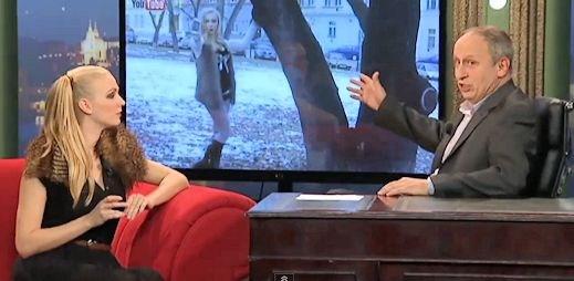 Představitelka Nicky Tučkové je mladá herečka Táňa Malíková
