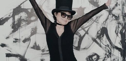 Japonské zpěvačce Yoko Ono je 80 let a teď natočila klip Bad Dancer