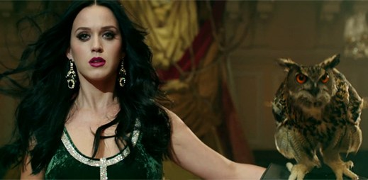 Katy Perry v novém klipu Unconditionally opravdu zazářila!