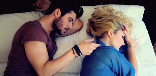 Christina Delaney natočila procítěný videoklip Jdu dál, text napsal Raego