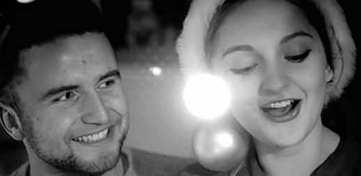 Nastartujte vánoční pohodu se songem Vánocofil od Christiny Delaney