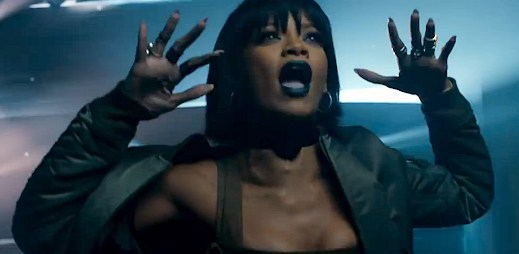 Psychiatrička Rihanna promlouvá k pacientovi Eminemovi v klipu The Monster