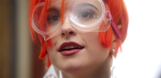 Paramore ve svém klipu Ain't It Fun překonávají rekordy