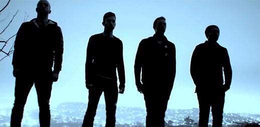 Coldplay nečekaně vydali zbrusu nový videoklip Midnight