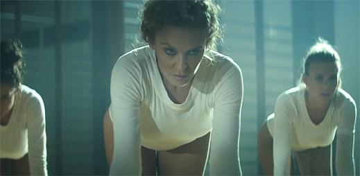 Kylie Minogue se snaží být v novém klipu Sexercize sexy