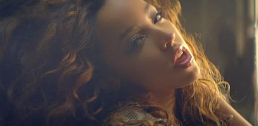 Začínající R&B zpěvačka Tinashe natočila zajímavý videoklip 2 On