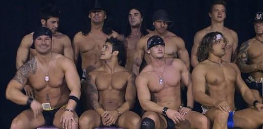 Film La Bare: Dokonale vypracovaná těla a nejpopulárnější striptýzový klub na světě