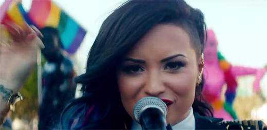 Demi Lovato navštívila v novém klipu Really Don't Care gay pride!
