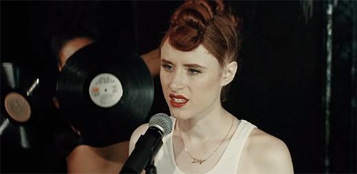 Kiesza natočila originální LGBT videoklip Giant In My Heart