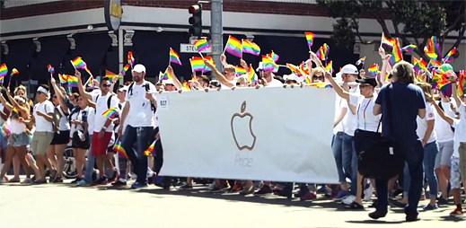 Apple potvrdil, že je značkou pro gaye! Duhové tričko si oblékl i šéf Tim Cook
